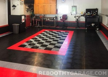 GarageTrac polypropylene tiles in black and red