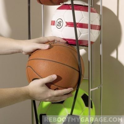 The Vertical Ball Storage tube provides easy access through the bungee cords