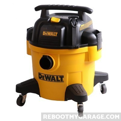 DeWalt DXV06P Vacuum with wheels