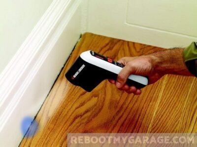 Black & Decker TLD100 Thermal Leak Detector blue means colder than baseline at floor moulding