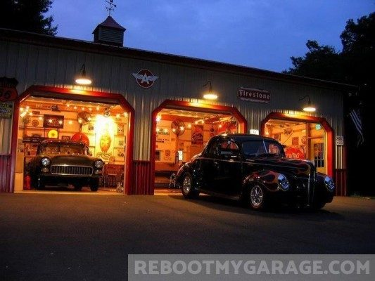 1930's antique cars garage