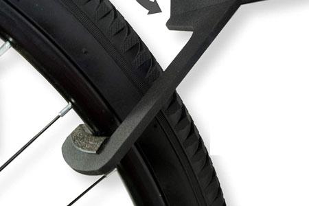 The Koova 3-bike mount hooks put a lot of hook surface round the tire.