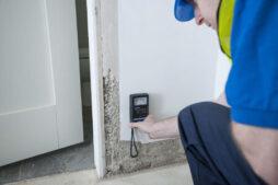 Measuring wall moisture